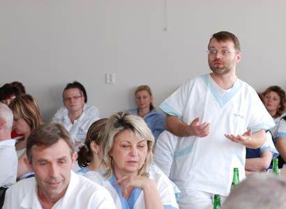 Pět minut po dvanácté řinčely lékařům budíky: Přidejte, ministře
