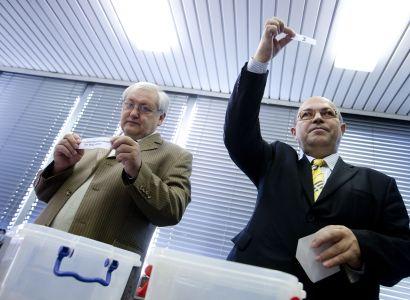 ODS půjde do voleb s číslem 26, ČSSD s devítkou