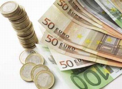 Spláchne Nečas 250 miliard do Bruselu? Tihle senátoři jsou pro