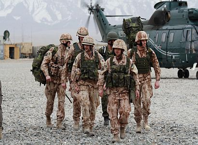 Koalice by ráda vyhazovala v armádě. Odbory: Kde, proboha?
