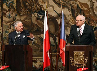 Česká delegace v čele s Klausem míří do Polska