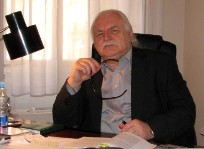 Nula bulharských záchodků nemůže urazit Knížáka, píší Fragmenty