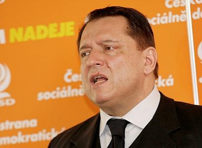 ČSSD nyní dluží miliardy švýcarské firmě, říká Altner
