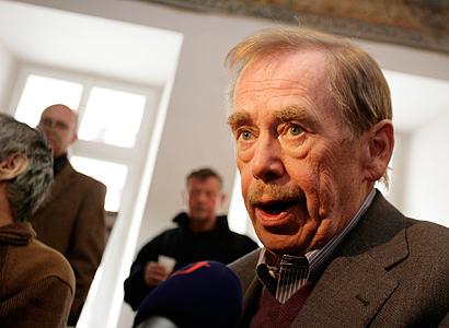 Za násilí na mítincích může agresivní kampaň, naznačil Havel