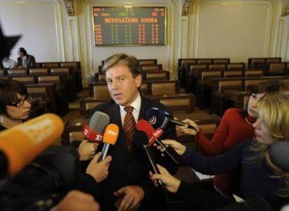 Vlček rezignoval i na mandát poslance, kandidovat nebude