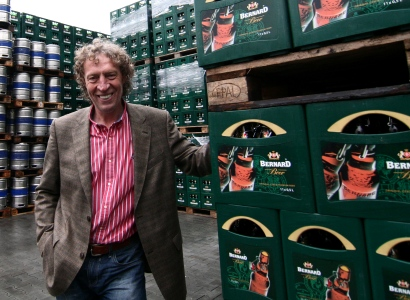 Pravicový pivovarník Bernard nadává i Kalouskovi. Vyšší daň? Lumpárna
