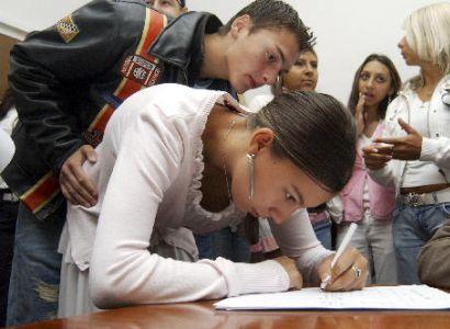 """Výzva Romům: Nenechejme ze sebe vytvářet """"rasistické agresory"""""""
