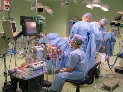 Lidé jsou nemocní z jídla v nemocnici, pravil Pohlreich. Rath vysvětluje