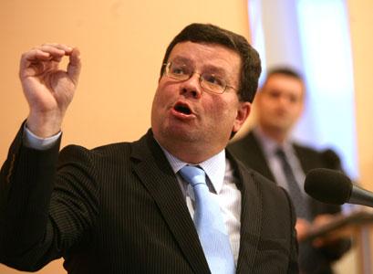 Roli ministra Vondry v kauze ProMoPro chce probrat K9