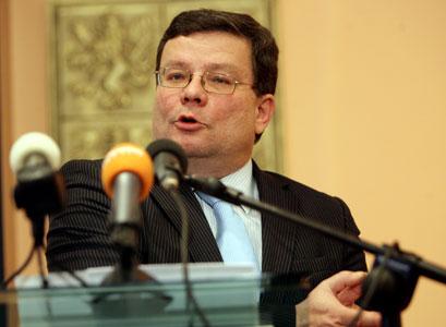 Za dveřmi vlády: Vondra nadával knížeti kvůli výjimce z Lisabonu