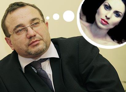 Ministr Dobeš se zapletl. S odměnou pro šéfku svého sekretariátu