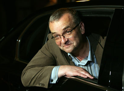 Kalousek před novináři zesměšnil ministra dopravy