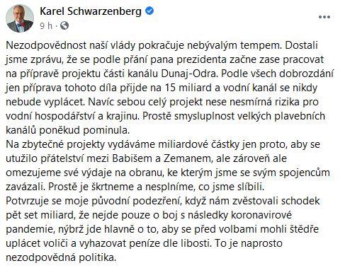 Karel Schwarzenberg promlouvá