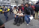 Uprchlíci, jste vítáni, otevřel náruč Jean-Claude Juncker