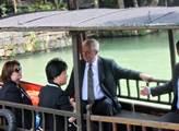 Do Česka přijíždí čínský ministr zahraničí Wang I. Jednat bude se Zaorálkem, Zemanem i se Sobotkou