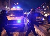 Metoda jau-jau se neosvědčila, aktivistka dostala flastr, raduje se bloger nad rozsudkem za napadení policisty, který hlídal protiuprchlickou akci