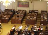 Poslanci se sejdou k debatě o Číně a odkladu EET