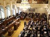 Sněmovna schválila zpřísnění podmínek pobytu cizinců v ČR