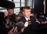 Zkrachovala jednání ANO a ČSSD a redaktor Honzejk sedl k počítači: Babiš se nechce dělit o moc, má v záloze extrémisty