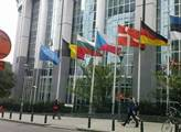 Brusel prý vydírá Británii. A ochotně se k tomu přidala i česká vláda