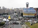Pod Ukrajinou doutná nálož. Darebáci, nacisté. Tři roky po Majdanu zní tvrdá slova, nicméně Helena Langšádlová...