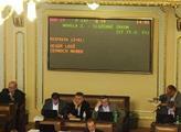 Poslanci odstartovali schůzi, na níž chtějí doladit dohodu o služebním zákonu