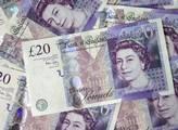Slabší libra způsobená brexitem prý sníží počet turistů z Británie