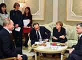 Angele Merkelové prý hrozí svržení