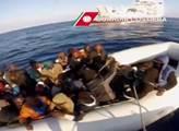 Italské námořnictvo v sobotu zachránilo přes 4000 běženců
