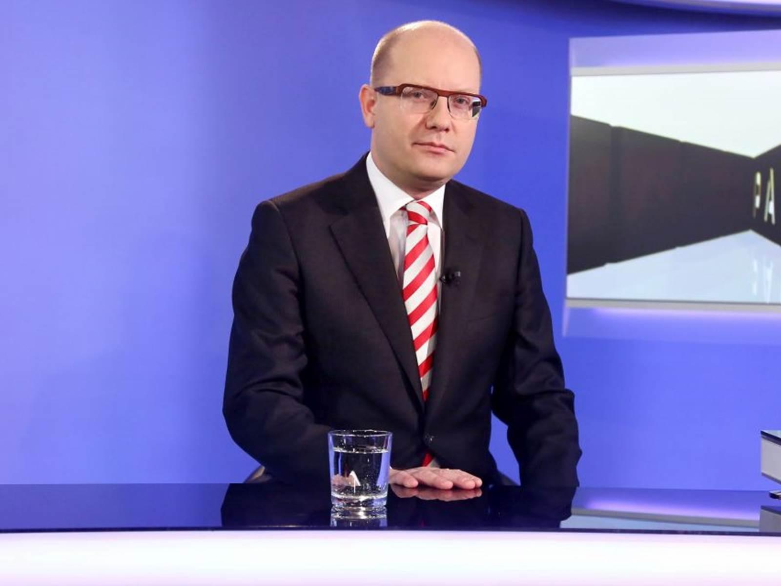 Z této zprávy se Sobotka možná orosí: Na ČSSD se snáší dravec ... - ParlamentníListy.cz