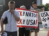 Demonstrace proti USA a NATO v Charkově. Hovoří Al...