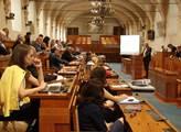 Senát vyzval vládu urychleně jednat o zákonu o střetu zájmů