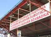 Autobusové nádraží v Subotici, odkud imigranti míř...