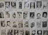 Fotografie zabitých kurdských bojovníků pešmergů