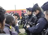Od pondělka jsou po Francii rozváženi uprchlíci, k...