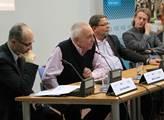V pražském CEVRO Institutu se konala debata o Něme...