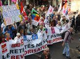 V Paříži se konala velká demonstrace důchodců prot...