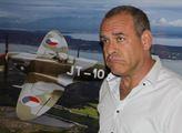 Ředitel Muzea izraelského vojenského letectva Avi ...