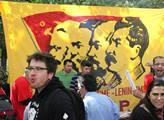 Ikony komunismu na demonstraci odborů nesměly chyb...