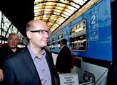 Svinstvo, odsoudil komentátor plakát ČSSD proti restitucím