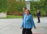 Znovu se třásla při hymně Německa. Merkelovou opět zradilo zdraví, rojí se spekulace