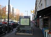 Kolem stanice metra Stalingrad v Paříži se soustře...