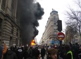 V rámci generální stávky ve Francii se na mnoha mí...