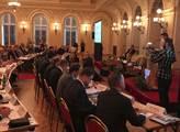 V hlavním sále pražského paláce Žofín