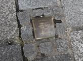 Stopy holokaustu se navyhnuly ani Braunau