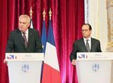 Střelba při projevu francouzského prezidenta Hollanda. Dva zranění
