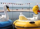 Na pláži u Černého moře, kam míří lidé z většiny p...