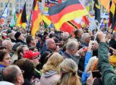 Čtvrté narozeniny hnutí PEGIDA v Drážďanech
