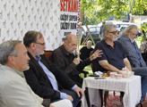 Účastníci diskuze o historii a jejím zkreslování
