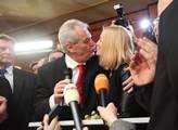 Vítězem a tedy prezidentem se stává Miloš Zeman. N...